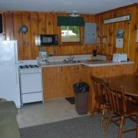 6birch-lakes-resort-cabin-03