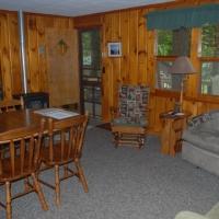6birch-lakes-resort-cabin-05